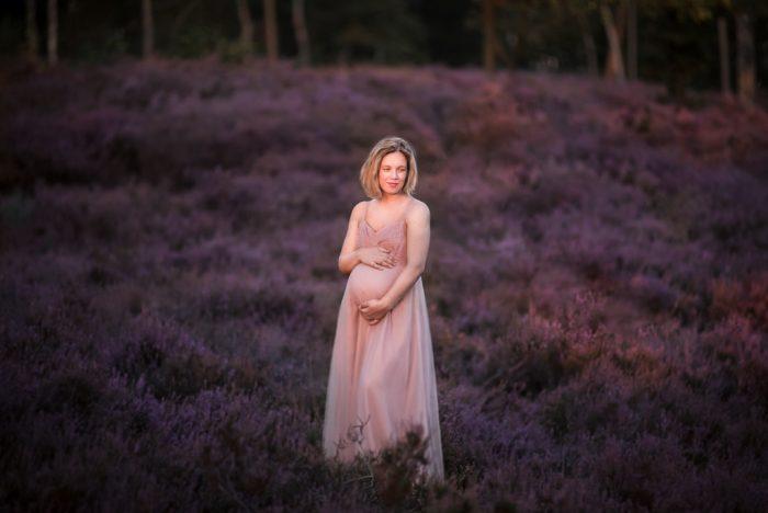 fotoshoot zwangerschap in de natuur