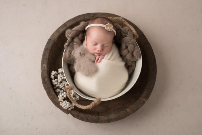 Newborn shoot tiel